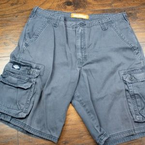 LEE DUNGAREES CARGO SHORTS A184